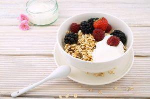 Importanza di proteine a colazione sana per la perdita di peso
